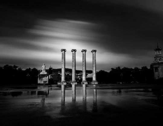 Las Cuatro Columnas, Montjuic